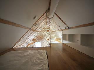 Modern nursery/kids room by Marks - van Ham architectuur Modern