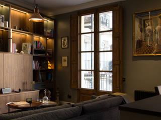 Letamendi -110m²-, Barcelona. Sala de estar.: Salones de estilo  de GokoStudio