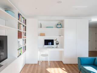 Contexto ® Minimalist living room Engineered Wood White