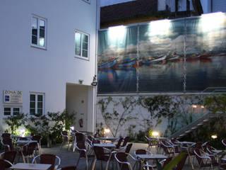 Iluminação LED -  Hostel WELCOME IN – Aveiro: Hotéis  por Lux Concept - Iluminação LED,Moderno