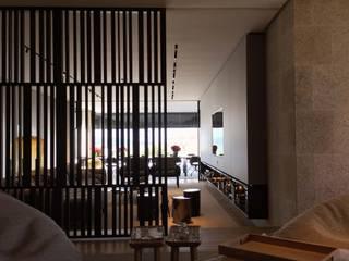 CASA ALCABRE Salones de estilo moderno de EAU ARQUITECTURA S.L.P. Moderno