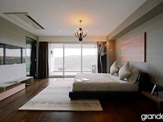 Bedroom by Grandeur Interiors, Modern