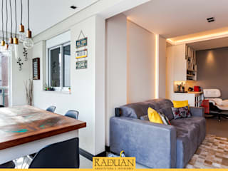 Balcones y terrazas de estilo moderno de Raduan Arquitetura e Interiores Moderno