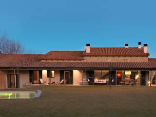 VIVIENDA UNIFAMILIAR AISLADA EN SIURANA, ALT EMPORDÀ Casas de estilo rústico de Irabé Projectes Rústico