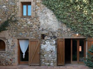 Maisons rustiques par Irabé Projectes Rustique