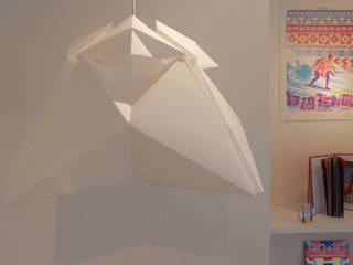 SURIA AIRE / Luminaria de techo: Livings de estilo  por 7RAYOS