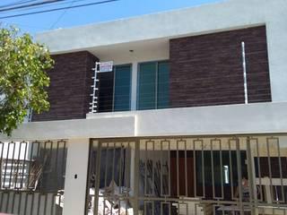 FACHADA SANTA FE: Casas de estilo  por Distribuidora VAMI