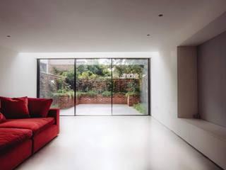 HOME IN LONDON Sala multimediale moderna di stile interni srl Moderno