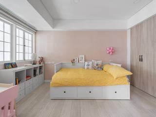 Phòng ngủ phong cách kinh điển bởi 倍果設計有限公司 Kinh điển