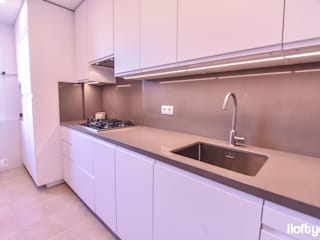 Modern style kitchen by iloftyou Modern