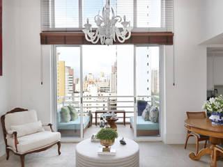 Loft Duplex - Morumbi São Paulo: Salas de estar  por Antonio Armando Arquitetura & Design
