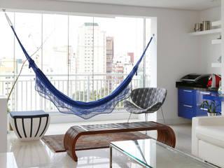 Apartamento Portal do Morumbi - SP: Salas de estar  por Antonio Armando Arquitetura & Design