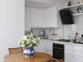 Loft Duplex - Morumbi São Paulo: Cozinhas  por Antonio Armando Arquitetura & Design