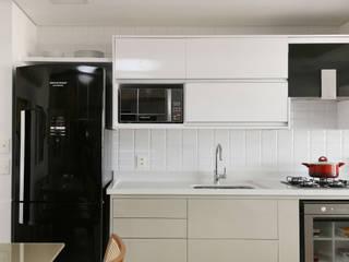 Küche von Antonio Armando Arquitetura & Design