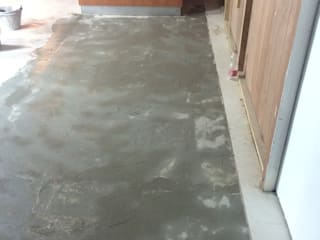 C&M Walls & flooringWall & floor coverings Batu Kapur Amber/Gold