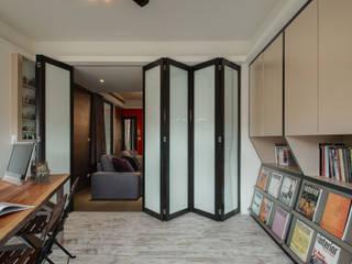 Eklektyczne domowe biuro i gabinet od 思為設計 SW Design Eklektyczny