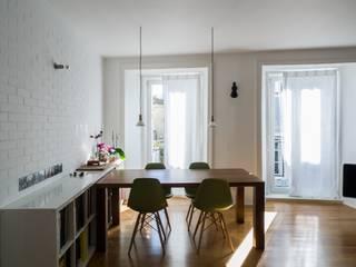 Living room by Miguel Marcelino, Arq. Lda.