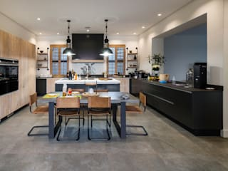 Modern Farmhouse - Silverlakes Nature Reserve:  Kitchen by Karel Keuler Architects