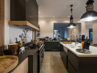 Cocinas de estilo  por Karel Keuler Architects, Moderno