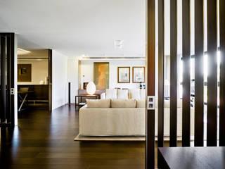 Livings de estilo  por Aguilar Arquitectos,
