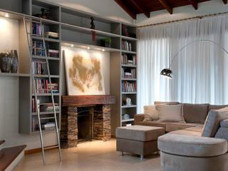 Casa em Condomínio: Salas de estar  por Ana Maria Dickow                                           Arquitetura & Interiores,Moderno