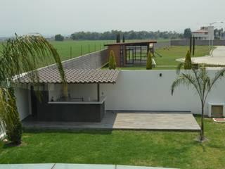 RESIDENCIA SOSA: Jardines de estilo  por ANTARA DISEÑO Y CONSTRUCCIÓN SA DE CV