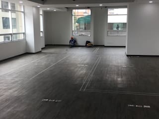 Traslado Oficinas QMC de Danncas interior design Minimalista