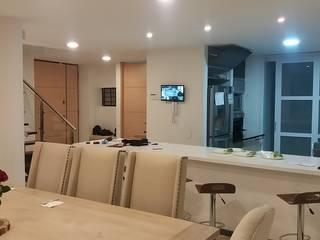 Salas de jantar  por Construcciones Cubicar S.A.S