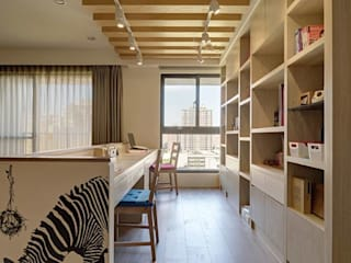 桃園市天祥一街住宅設計裝修案:  書房/辦公室 by Hi+Design/Interior.Architecture. 寰邑空間設計