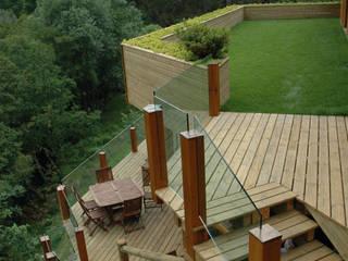 Modern balcony, veranda & terrace by Rusticasa Modern