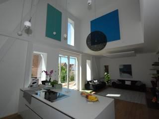Cocinas de estilo  por freiraum Akustik , Moderno