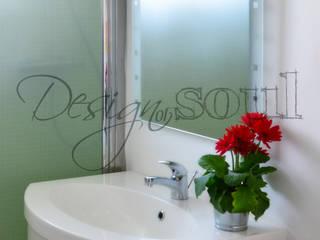 RELOOKING Arredamento BAGNO Appartamento MARE: Bagno in stile  di Design of SOUL Interior DESIGN