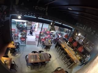 Boteco Yujin: Bares e clubes  por Evelyn Silvestre Arquitetura e Urbanismo,Industrial