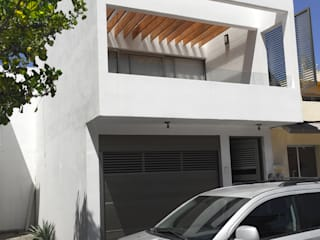 Residencial : Casas de estilo  por Arq. Omar Freyre