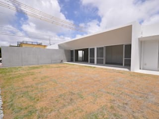 Maisons modernes par 門一級建築士事務所 Moderne
