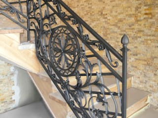 ALMET Kowalstwo Artystyczne Classic style corridor, hallway and stairs