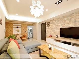 Scandinavian style living room by 寬森空間設計 Scandinavian