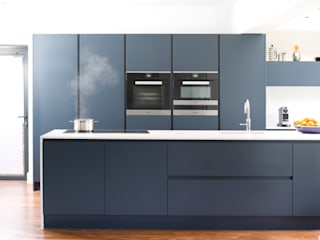 Pedini Arkè in Blue Night and Elm Urban Myth Modern kitchen Blue