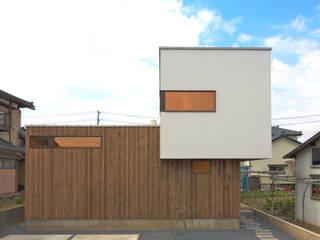 アウトドアが日常になる中庭を囲む家 モダンな 家 の 加藤淳一級建築士事務所 モダン