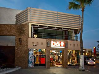 Fachada principal : Espacios comerciales de estilo  por 360arquitectura