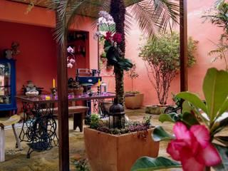 Jardins rústicos por TM&LH_ arq.arte - Tatiana Moraes e Lucia Helena Rústico