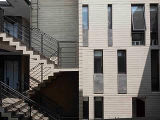 Hb/arq Rumah Gaya Industrial Beton Grey