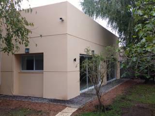 Steel Frame: Casas de estilo  por WanDel