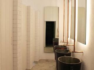 Rustikale Gastronomie von Neus Conesa Diseño de Interiores Rustikal