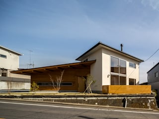 Eclectic style houses by 中山大輔建築設計事務所/Nakayama Architects Eclectic