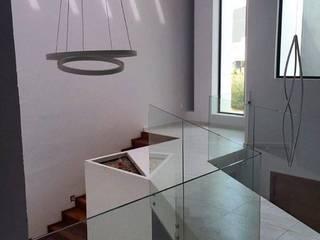 Moderner Flur, Diele & Treppenhaus von EBA Architecture & Desing Modern