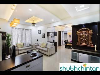 2bhk flat :  Living room by shubhchintan