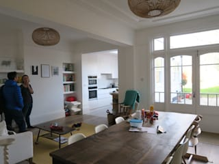 Redstone Road - Crouch End, London:  Dining room by A2studio,