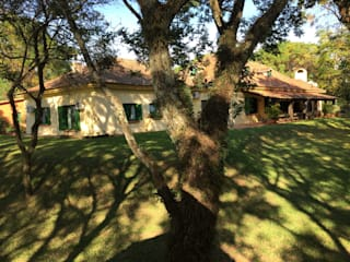 Casas de estilo  por CABRAL Arquitetos, Rural