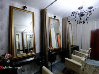 Boaz Hair Professional: Quartos  por Gislane Lima - Interior Design